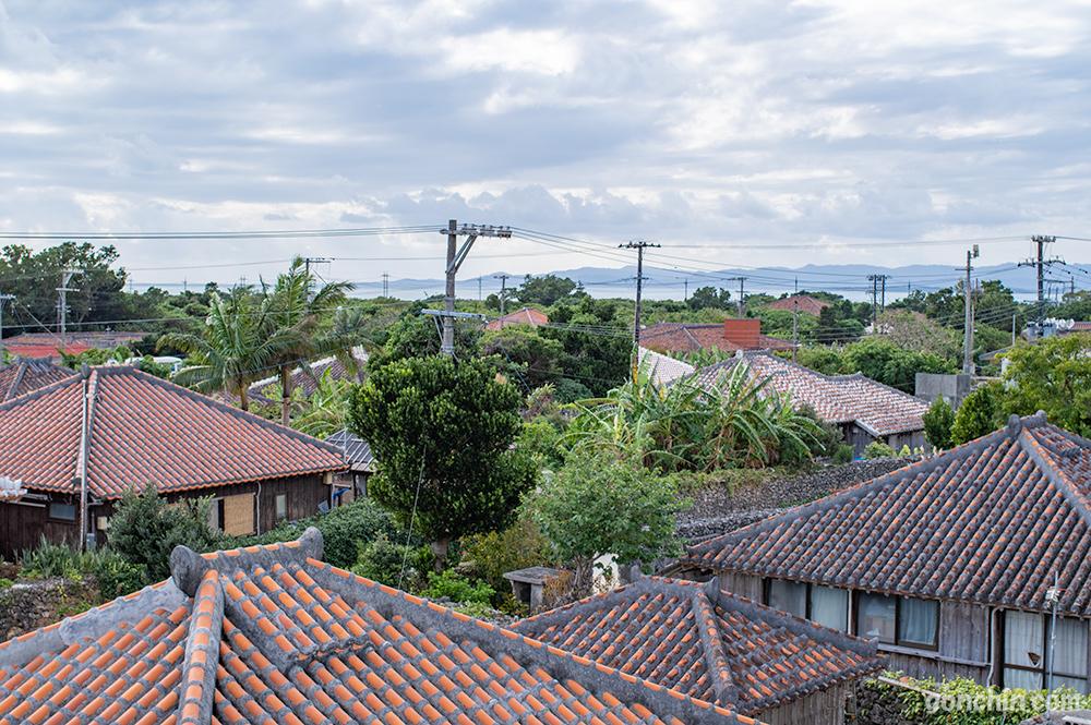 竹富島の赤い瓦の屋根