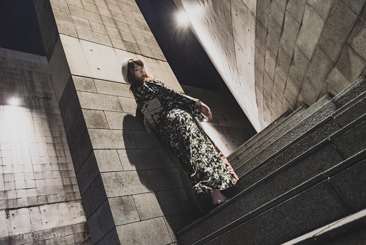 エリス梨亜奈さん・夜の着物ポートレート