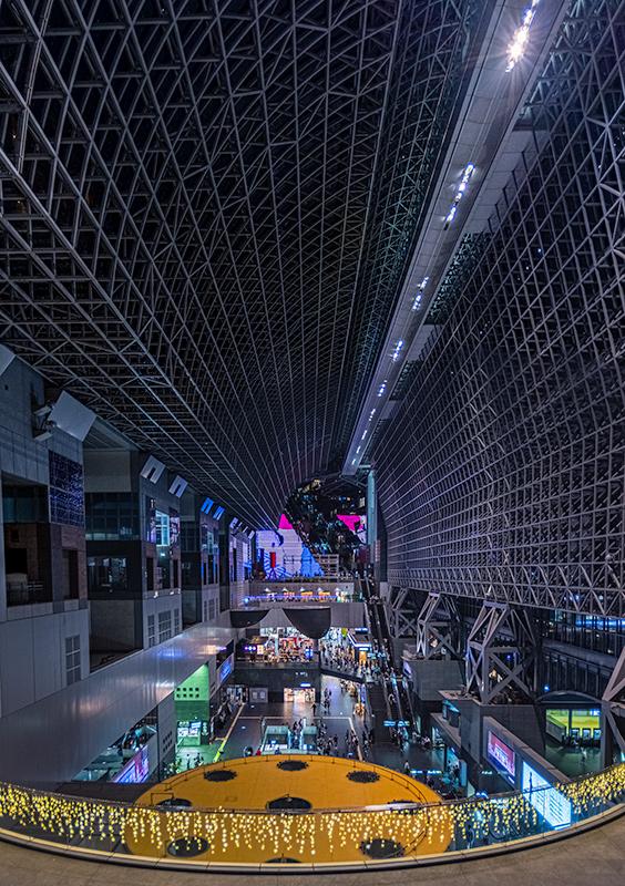 夜の京都駅・定番構図