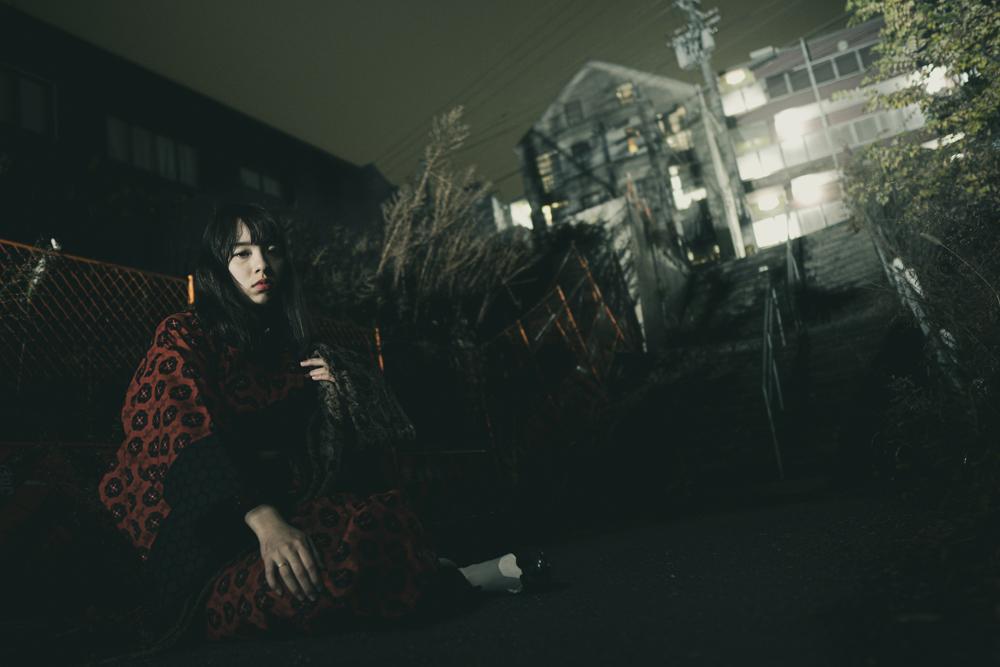ストロボを使った夜のポートレート・エリス梨亜奈さん